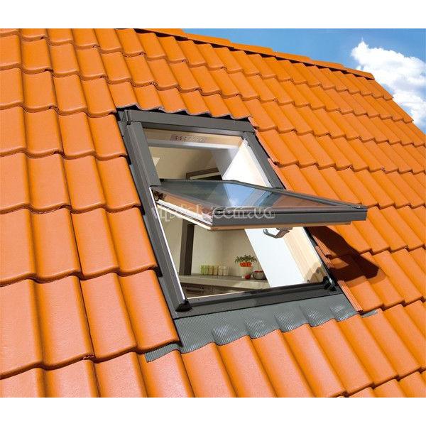 FAKRO FTS-V U4 двухкамерное окно из дерева